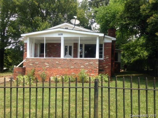 1508 Hateras Avenue, Charlotte, NC 28216 (#3331345) :: High Performance Real Estate Advisors