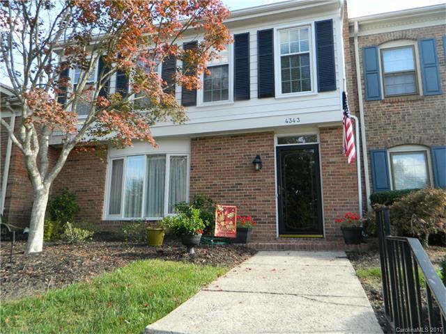 4343 Woodglen Lane, Charlotte, NC 28226 (#3331459) :: Premier Sotheby's International Realty