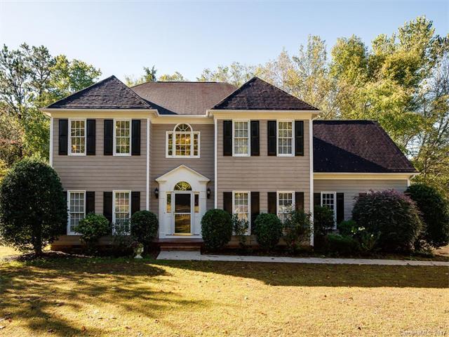 5631 Providence Glen Road, Charlotte, NC 28270 (#3332389) :: Pridemore Properties
