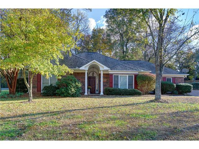 3901 Summerhill Court, Concord, NC 28027 (#3334411) :: Leigh Brown and Associates with RE/MAX Executive Realty