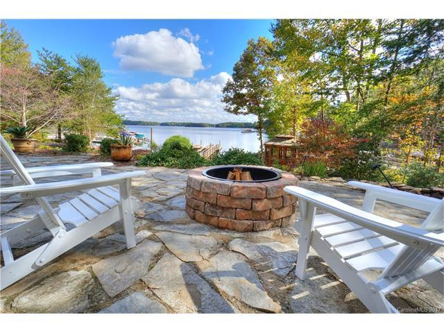 13807 Hagers Ferry Road, Huntersville, NC 28078 (#3335203) :: Carlyle Properties