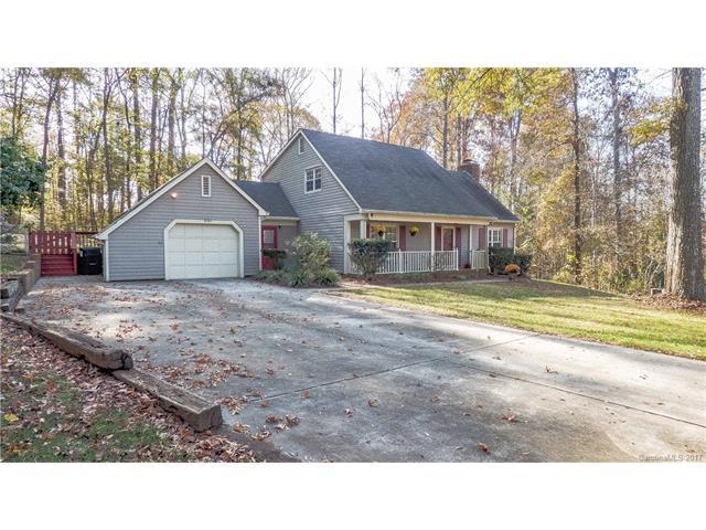 8305 Stallion Court, Charlotte, NC 28215 (#3339117) :: Stephen Cooley Real Estate Group