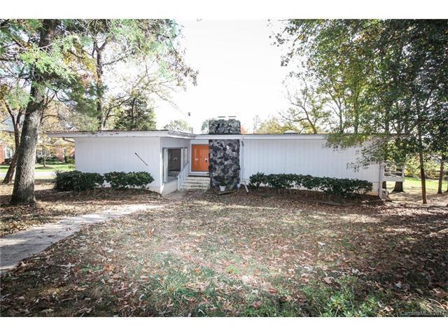 5601 Merrymount Drive, Charlotte, NC 28226 (#3339354) :: Charlotte's Finest Properties