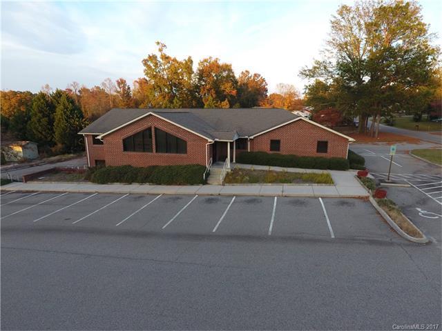 921 E Broad Avenue, Rockingham, NC 28379 (#3339630) :: Rinehart Realty