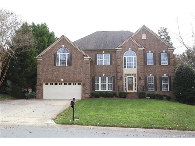 15834 Woodcote Drive, Huntersville, NC 28078 (#3340134) :: Rinehart Realty