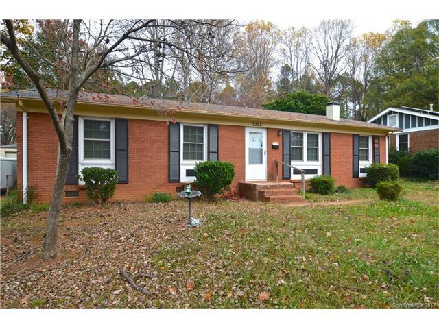 3207 Edsel Place, Charlotte, NC 28205 (#3340636) :: Team Lodestone at Keller Williams SouthPark
