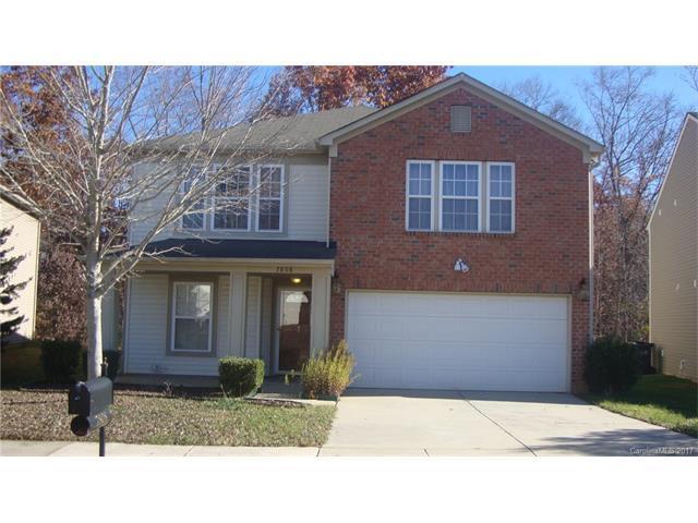 7808 Ponderosa Pine Lane, Charlotte, NC 28215 (#3340651) :: Stephen Cooley Real Estate Group