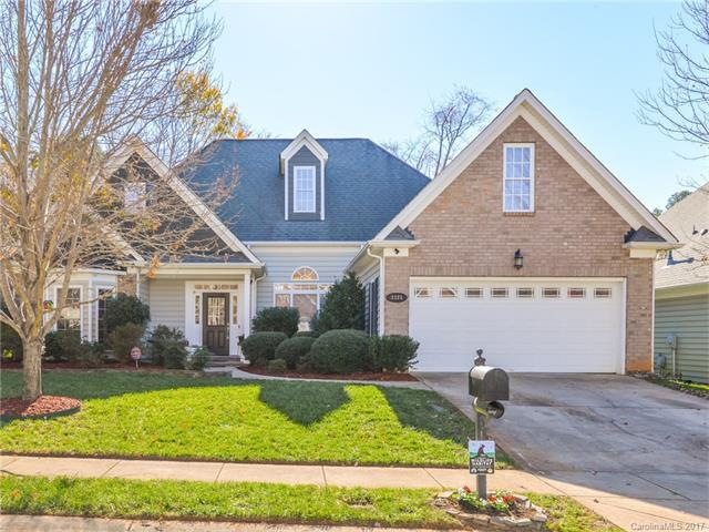1121 Moray Court, Charlotte, NC 28211 (#3340806) :: Charlotte Home Experts