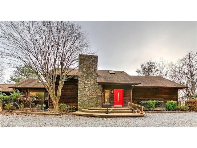 144 Sierra Drive, Hendersonville, NC 28739 (#3342560) :: Zanthia Hastings Team