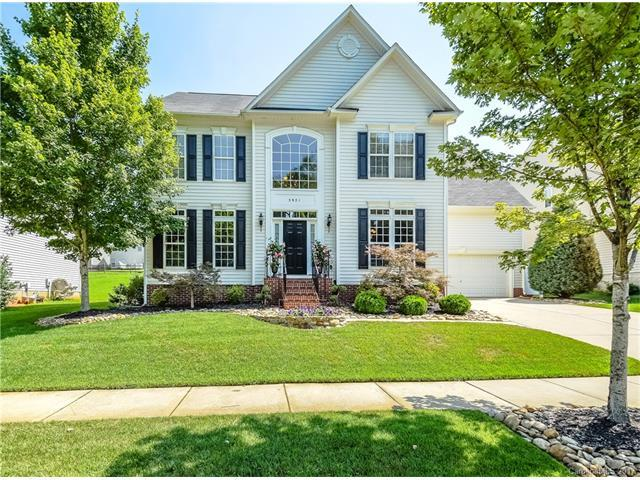 3921 Laurel Berry Lane, Huntersville, NC 28078 (#3342703) :: LePage Johnson Realty Group, Inc.