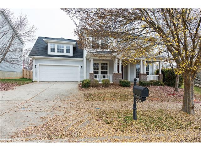 15302 Carrington Ridge Drive, Huntersville, NC 28078 (#3343627) :: Berry Group Realty