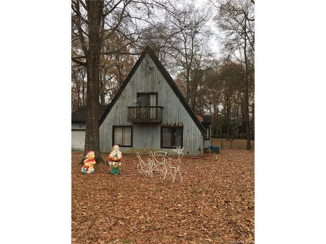 8009 Beacon Hills Road, Indian Trail, NC 28079 (#3343717) :: The Ann Rudd Group