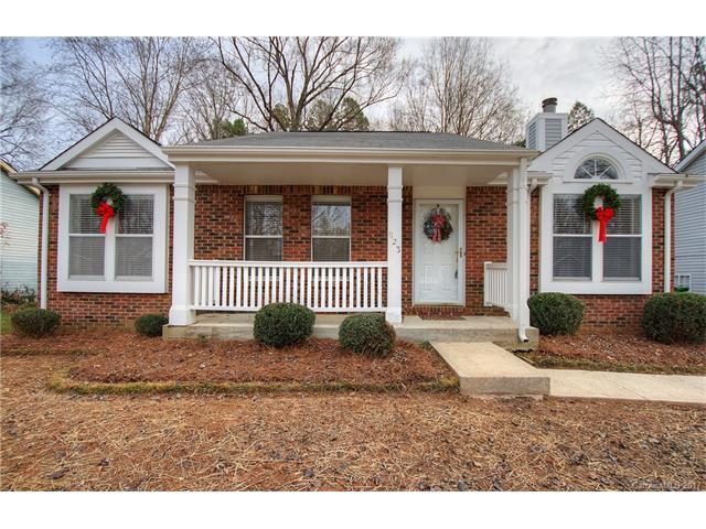 923 Glenfiddich Drive, Charlotte, NC 28215 (#3343731) :: Stephen Cooley Real Estate Group