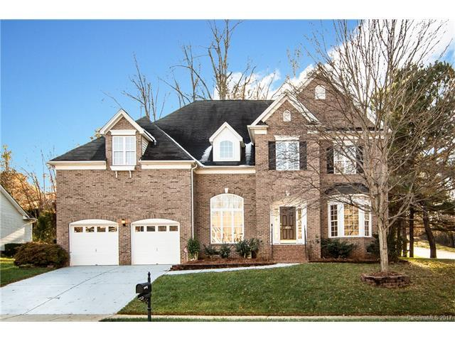 8533 Wren Creek Drive, Charlotte, NC 28269 (#3344000) :: Carrington Real Estate Services