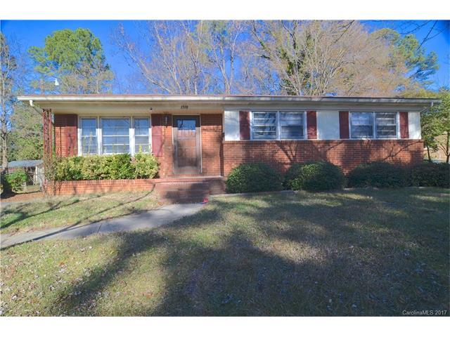 1318 Grovewood Drive, Charlotte, NC 28208 (#3345641) :: The Ramsey Group