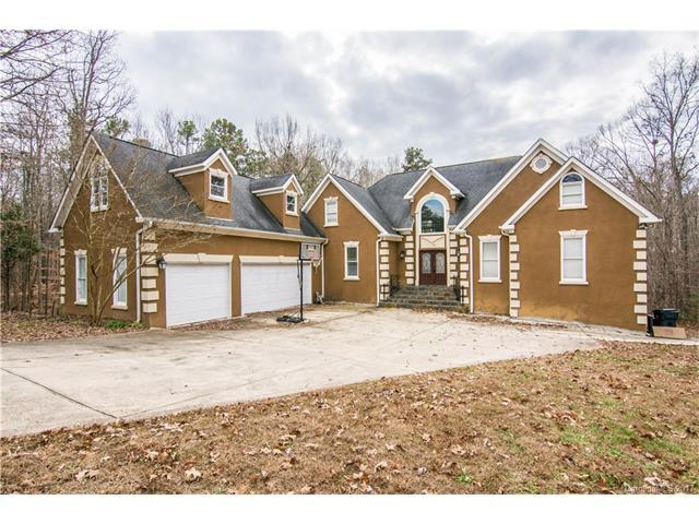 14901 Majestic Oak Drive, Charlotte, NC 28278 (#3345689) :: The Andy Bovender Team