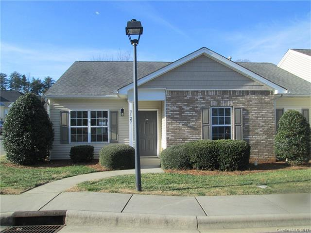 3127 Village Glen Lane, Charlotte, NC 28269 (#3346111) :: The Andy Bovender Team