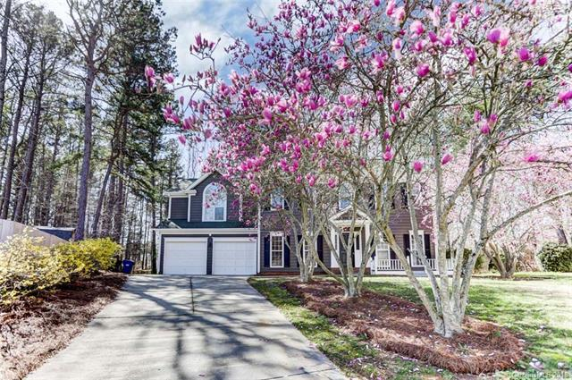 3519 Crescent Knoll Drive, Matthews, NC 28105 (#3346785) :: Exit Mountain Realty
