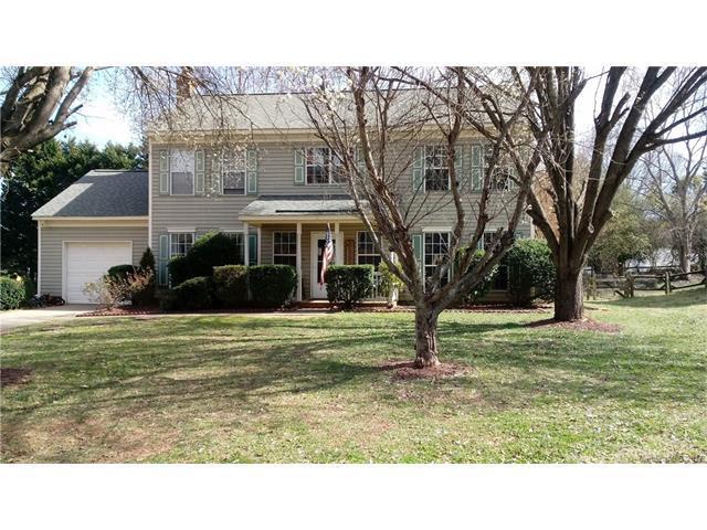12608 Cedar Fall Drive, Huntersville, NC 28078 (#3346898) :: The Ramsey Group
