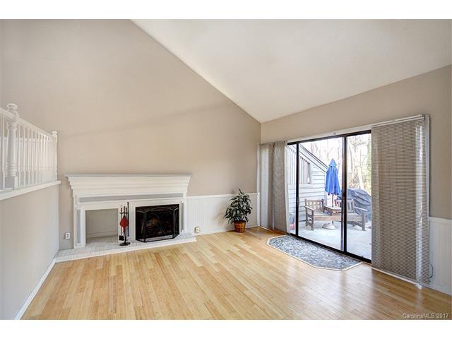 4132 Charlotte Highway, Lake Wylie, SC 29710 (#3347284) :: Burton Real Estate Group