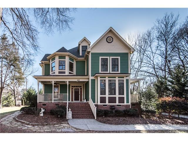 301 S Freemont Street, Matthews, NC 28105 (#3348874) :: Keller Williams South Park
