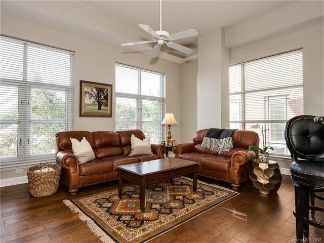 1315 East Boulevard #204, Charlotte, NC 28203 (#3349214) :: Charlotte's Finest Properties