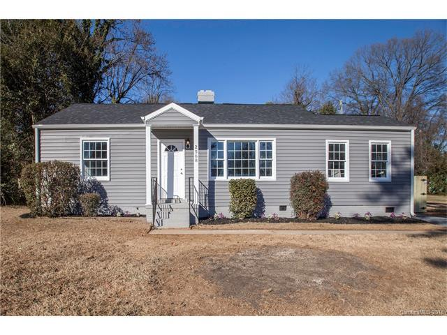2568 Brentwood Place, Charlotte, NC 28208 (#3349383) :: Team Lodestone at Keller Williams SouthPark