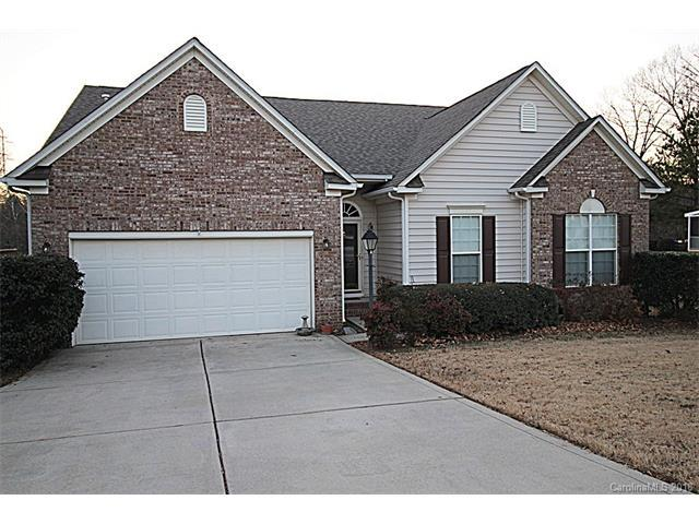 5645 Cambridge Bay Drive, Charlotte, NC 28269 (#3349552) :: Odell Realty Group