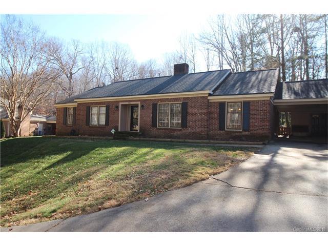 700 Bethune Place, Matthews, NC 28105 (#3350253) :: Puma & Associates Realty Inc.