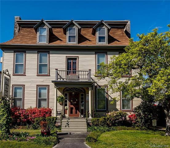 212 Pollock Street 4 & 3, New Bern, NC 28560 (#3350725) :: Zanthia Hastings Team