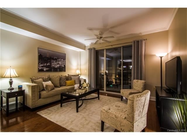 300 W 5th Street #137, Charlotte, NC 28202 (#3351132) :: Century 21 First Choice