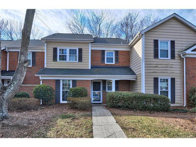 9451 Kings Falls Drive, Charlotte, NC 28210 (#3351148) :: Scarlett Real Estate