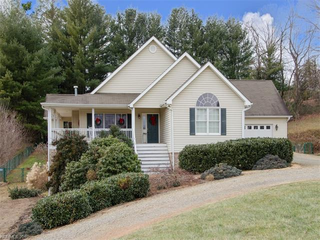 586 Woodlawn Circle, Clyde, NC 28721 (#3351306) :: Stephen Cooley Real Estate Group