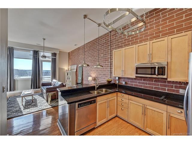 710 W Trade Street #704, Charlotte, NC 28202 (#3351673) :: The Ramsey Group
