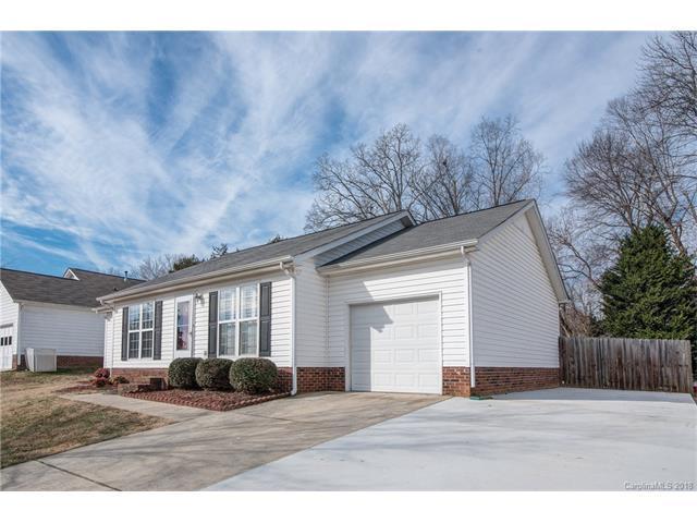 3201 Rheinwood Court, Matthews, NC 28105 (#3352211) :: Puma & Associates Realty Inc.