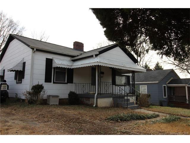 1517 Effingham Road, Charlotte, NC 28208 (#3352236) :: Puma & Associates Realty Inc.