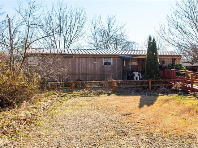308 Ficker Circle, Hendersonville, NC 28739 (#3352297) :: Exit Realty Vistas