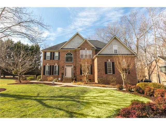 9005 Tenby Lane, Matthews, NC 28104 (#3352519) :: Berry Group Realty