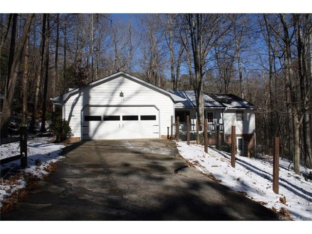 138 E White Pine Drive, Hendersonville, NC 28739 (#3352843) :: Carlyle Properties