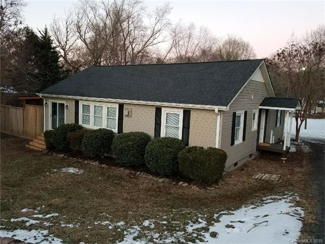804 N Main Street, Lowell, NC 28098 (#3353111) :: Carlyle Properties