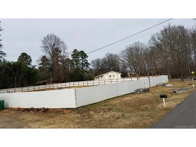 4219 Oakwood Road, Charlotte, NC 28269 (#3353119) :: The Temple Team