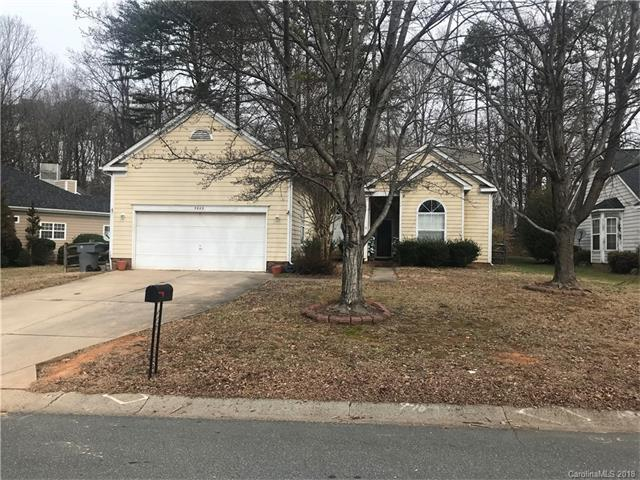 5923 Carriage Oaks Drive, Charlotte, NC 28262 (#3353386) :: Burton Real Estate Group