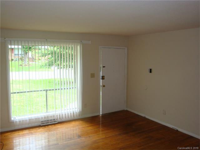 4754 Americana Avenue, Charlotte, NC 28215 (#3353477) :: Homes Charlotte