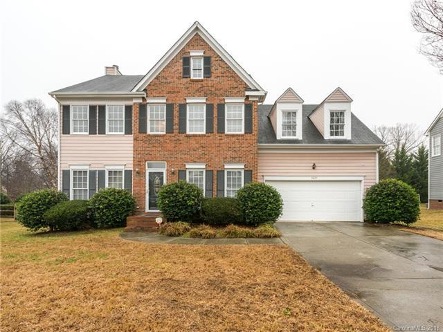 6624 Hawksnest Drive, Charlotte, NC 28269 (#3353615) :: Odell Realty Group