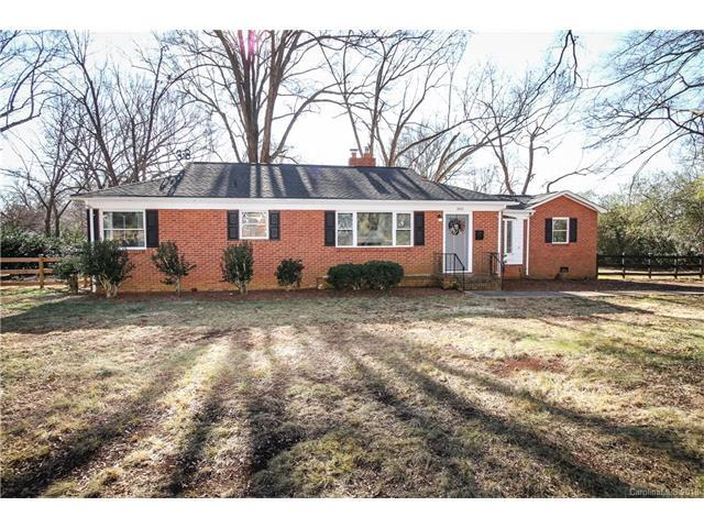 5010 Sylvan Drive, Charlotte, NC 28269 (#3354449) :: The Ramsey Group