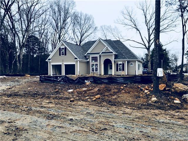 6504 Robert Street 1/2, Huntersville, NC 28078 (#3355279) :: Miller Realty Group