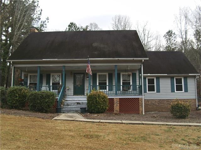140 Highland Woods Road, Wadesboro, NC 28170 (#3355607) :: The Andy Bovender Team