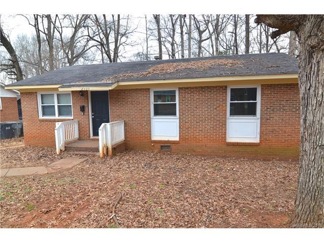 2409 Longleaf Drive, Charlotte, NC 28210 (#3356393) :: Caulder Realty and Land Co.