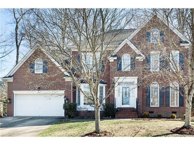 4908 Crownvista Drive, Charlotte, NC 28269 (#3357959) :: The Ramsey Group