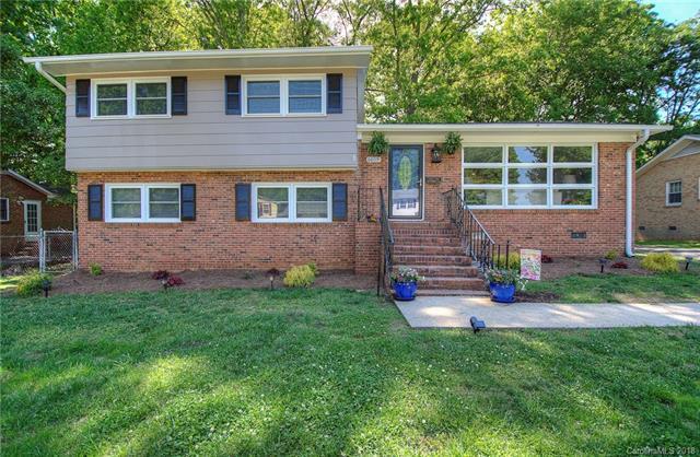 6609 Heatherbrook Avenue, Charlotte, NC 28213 (#3358010) :: LePage Johnson Realty Group, LLC